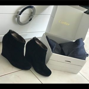 DKNY black  suede shoes